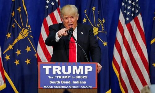 Đối thủ của Donald Trump bỏ cuộc