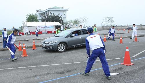 Cuộc thi hướng dẫn viên lái xe an toàn xuất sắc 2016 1