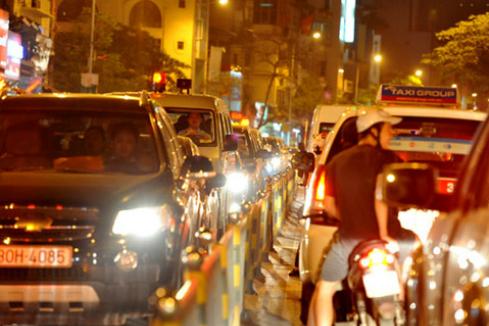 Những lỗi đèn pha tài xế Việt dễ bị thổi phạt 1