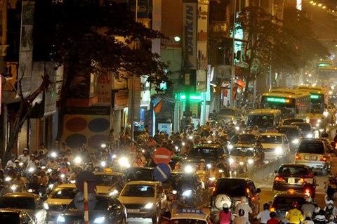 Những lỗi đèn pha tài xế Việt dễ bị thổi phạt 3