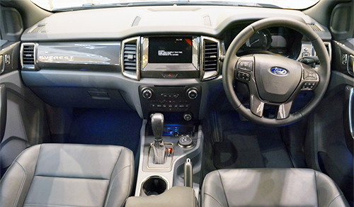 Ford Everest 2016 giá từ 49.700 USD tại Malaysia 2