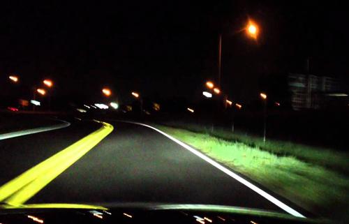 Những lỗi đèn pha tài xế Việt dễ bị thổi phạt 8