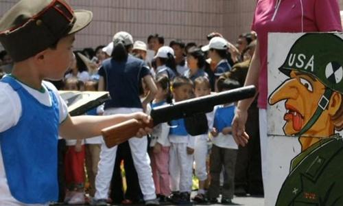 Trẻ Triều Tiên học nhận diện kẻ thù từ lớp mẫu giáo 1