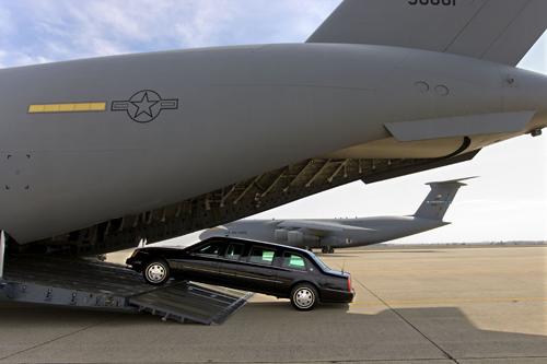 Xe tổng thống Mỹ được vận chuyển như thế nào? 3