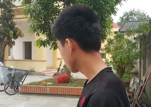 nam-sinh-xo-nga-thai-phu-cuop-iphone6-1