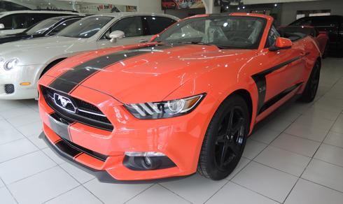 Hàng hiếm Ford Mustang mui trần giá 2,2 tỷ đồng 1