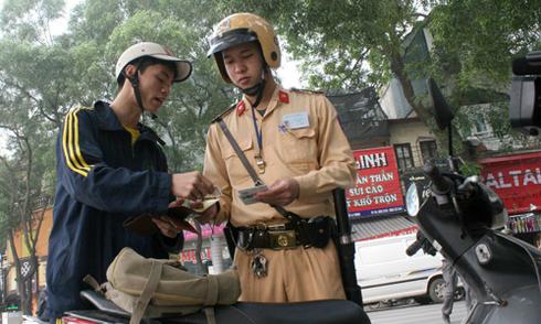 Những lỗi tài xế Việt hay tranh cãi với CSGT 3