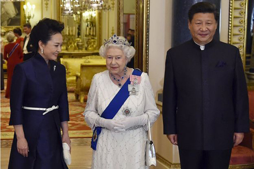 Vì sao Nữ hoàng Anh chê quan chức Trung Quốc thô lỗ - ảnh 1