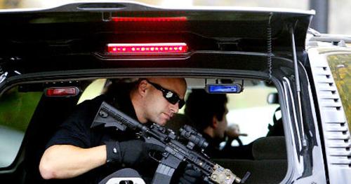 Đội siêu mật vụ trấn áp những kẻ tấn công tổng thống Mỹ 2