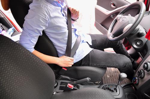 Tài xế Việt đang sai tư thế lái ôtô? 6