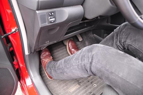 Tài xế Việt đang sai tư thế lái ôtô? 8