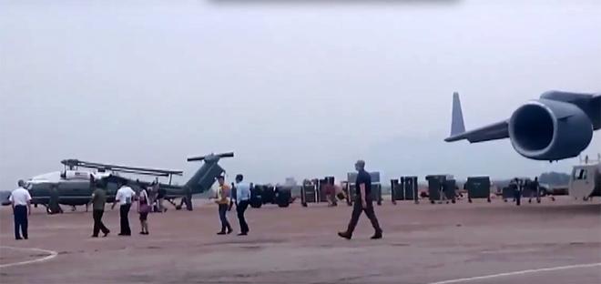 Trực thăng hộ tống Tổng thống Mỹ Obama chạy thử ở Nội Bài - ảnh 3