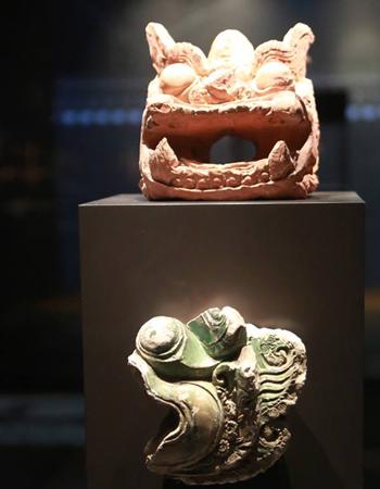 tai-hien-cung-dien-thoi-ly-duoi-ham-nha-quoc-hoi-1