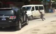 Video ôtô biển xanh ép xe khách chạy lùi xem nhiều tuần qua