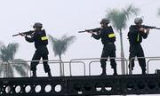 Hàng trăm cảnh sát đặc nhiệm bảo vệ Tổng thống Mỹ ở Hà Nội