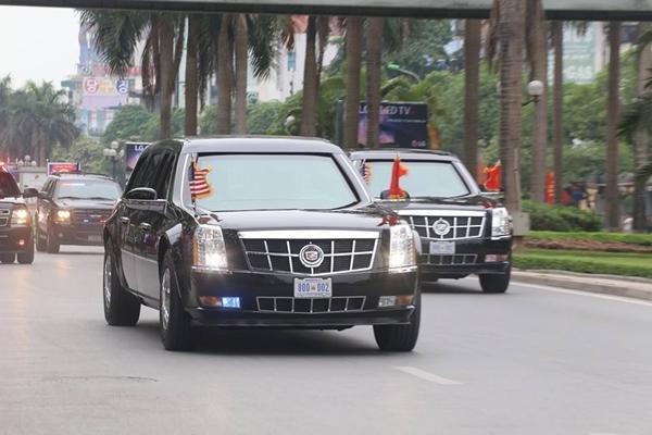 Đoàn xe chở Tổng thống Mỹ Barack Obama. Ảnh: Bá Đô.