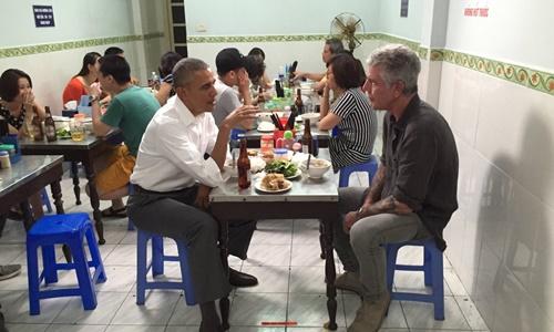 Báo quốc tế xôn xao vì bữa tối bún chả của Obama 1