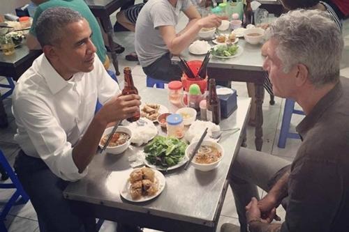 Trải nghiệm Việt Nam của đầu bếp ăn bún chả cùng Obama 1