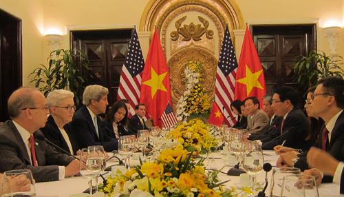 Việt - Mỹ ký thỏa thuận về chương trình hòa bình 2