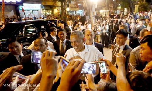 Nghị sĩ Mỹ kể về chuyến bay dài nhất đến Việt Nam của Obama 1