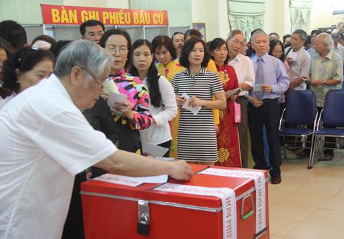 Chủ tịch Hà Nội trúng cử đại biểu HĐND với số phiếu cao nhất 1