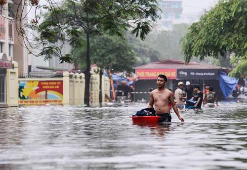 Vì sao Hà Nội mưa to là ngập sâu 3