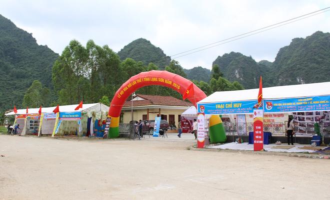 Lễ hội hoa hồi lần đầu tại Lạng Sơn