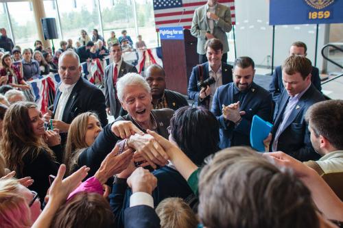 Hillary Clinton sắp ghế gì cho chồng nếu trở thành tổng thống Mỹ 3