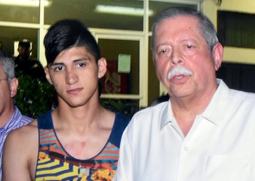Ngôi sao bóng đá Mexico một mình khống chế kẻ bắt cóc 1