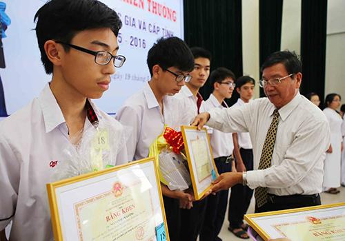 Học sinh Huế đạt giải quốc tế được thưởng tới 60 triệu đồng 1