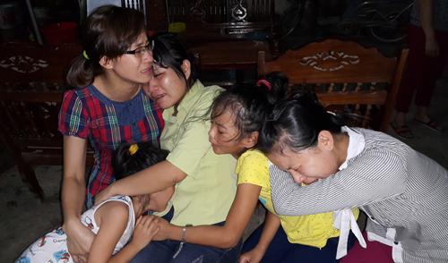 Nỗi đau gia đình có người thân tử nạn trên chuyến xe ở Lào 3