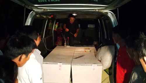 Nỗi đau gia đình có người thân tử nạn trên chuyến xe ở Lào 1