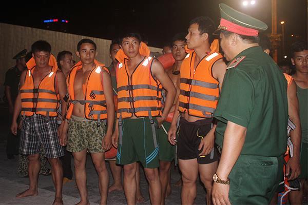 Xuyên đêm tìm người mất tích dưới lòng sông Hàn 2