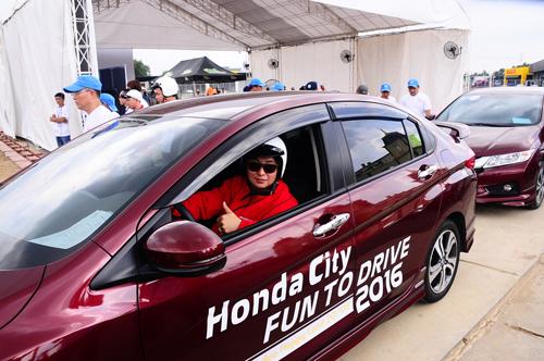 thu-suc-honda-city-tren-duong-dua-dau-tien-tai-viet-nam-page-2-9  Honda City 1.5 Thử sức  trên đường đua đầu tiên tại Việt Nam KH giai nhi JPG 5005 1465283597