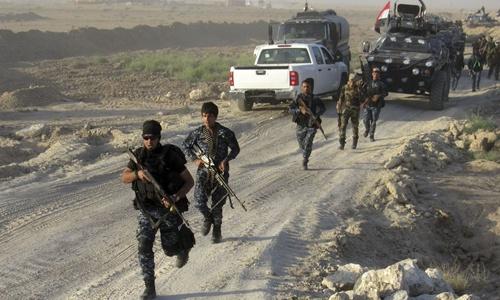 Chưa diệt xong IS, quân Iraq lục đục 2