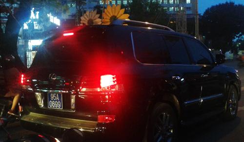 Tổng bí thư yêu cầu kiểm tra việc Phó chủ tịch Hậu Giang sử dụng xe Lexus 1