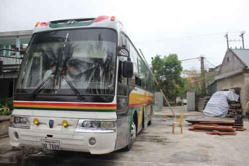 Nghệ An kiểm tra 35 xe khách biển Lào chạy chui 1