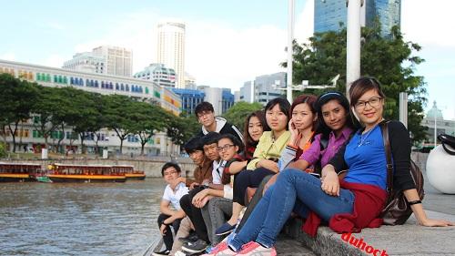 chia-se-kinh-nghiem-du-hoc-singapore-nganh-du-lich