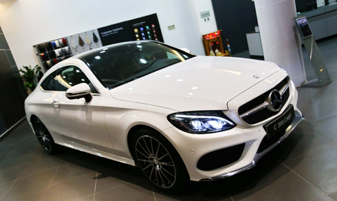 mercedes-c300-coupe-doc-nhat-viet-nam-gia-2-69-ty-dong