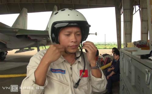 Nhiều mũi tiếp cận vệt dầu loang nghi Su 30 rơi 3