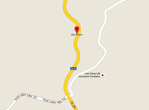 Hai ôtô khách đâm nhau ở đèo Prenn, 7 người chết 3