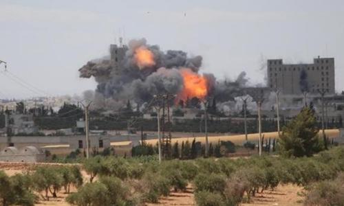 Chiến đấu cơ Mỹ tấn công vào nơi IS đóng quân tại Aleppo, Syria. Ảnh: Reuters.