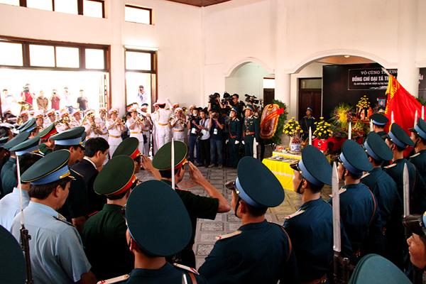 Lễ truy điệu đại tá Trần Quang Khải tại Nghệ An 1