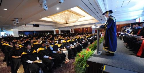 du-hoc-singapore-nhan-bang-australia-tai-james-cook-university-1