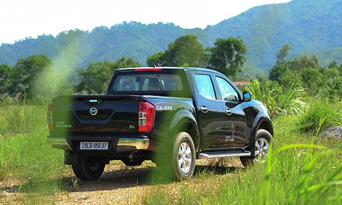 Nissan NAVARA EL Khuyen Mai soc
