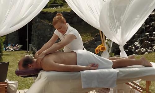 nu-nhan-vien-massage-chet-lang-truoc-phan-ung-cua-vi-khach-nam