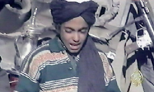 Hamza bin Laden năm 2001. Ảnh: Reuters