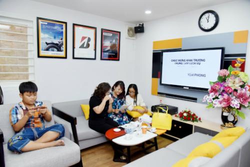 hon-200-khach-hang-tham-gia-bridgestone-lan-banh-an-toan-2