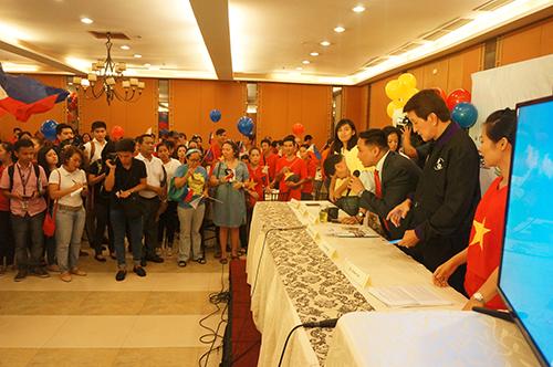 Quang cảnh buổi họp báo của cộng đồng người Việt Nam tại Philippines. Ảnh: CTV