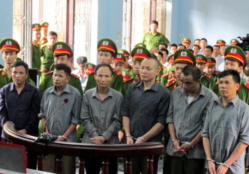 nhom-gay-roi-tai-du-an-ecopark-linh-an